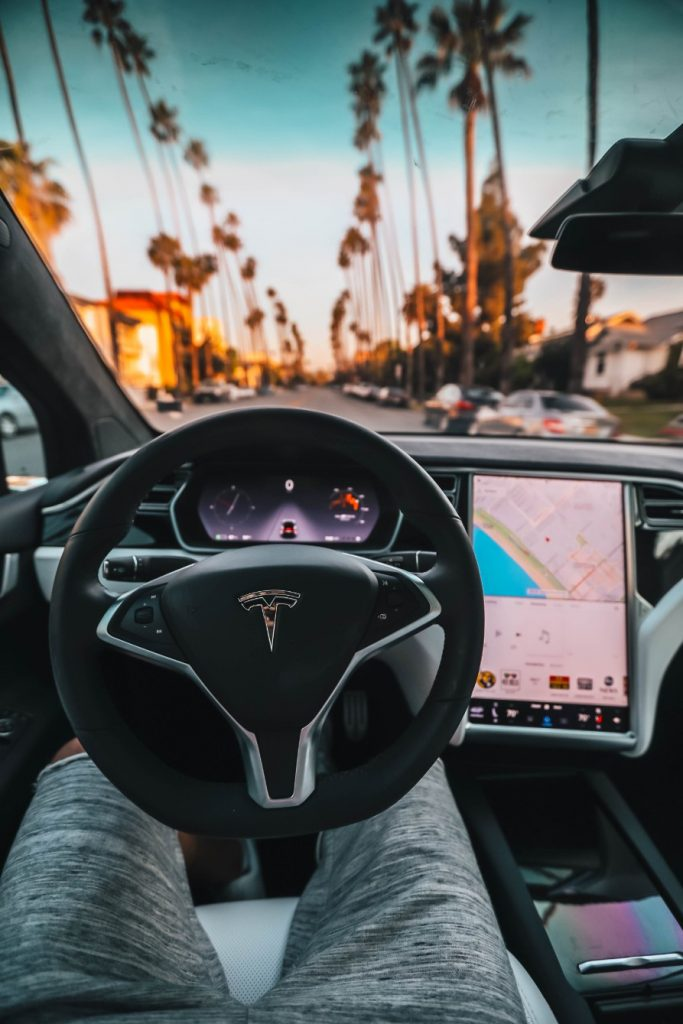 advantages electric car